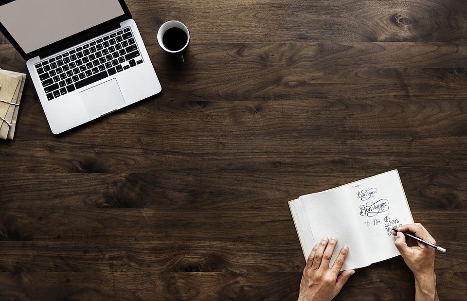 Beneficios en el diseño de papelería y material corporativo